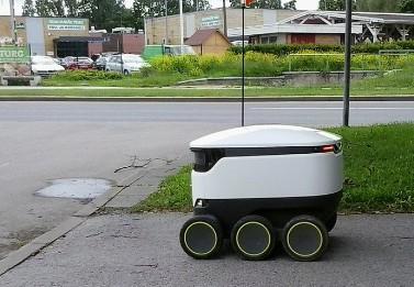 COVID-19 Salgınını Yavaşlatmak İçin Robotlarla Teslimat